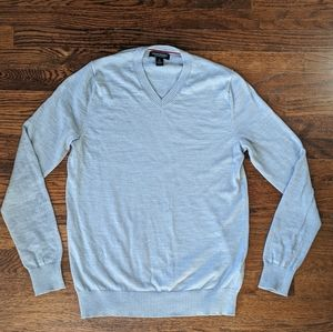 BR Extra Fine Merino Wool V-neck Sweater
